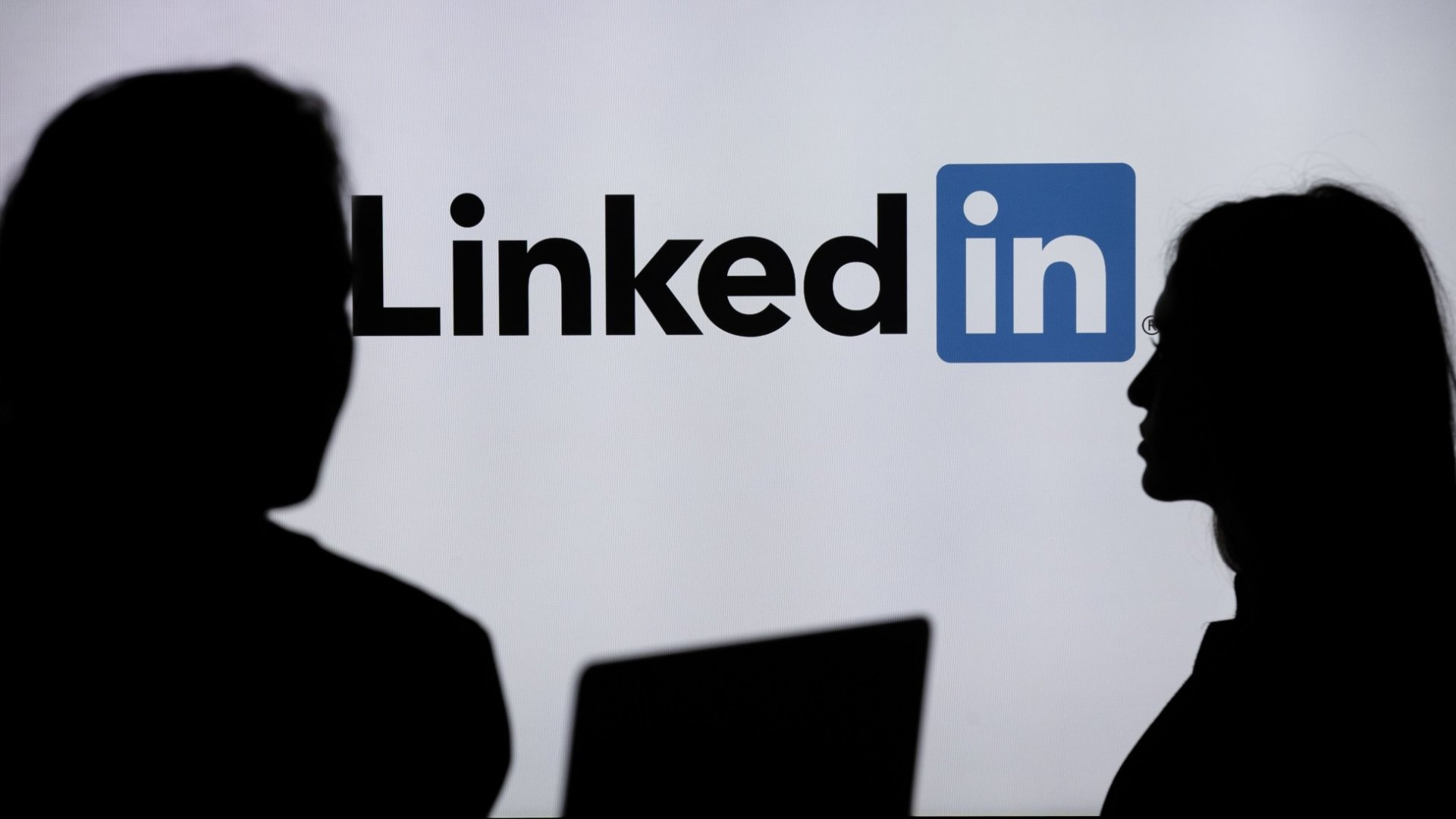 LinkedIn Just Suggested Members Try a Surprising New Strategy. (It Sounds Like the Opposite of What LinkedIn Has Always Told Its Members to Do)