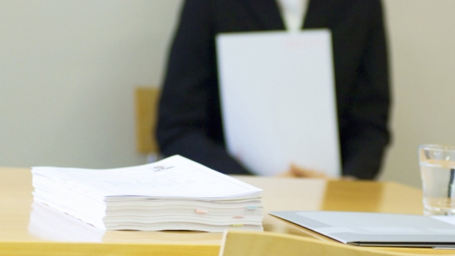 3 Reasons to Stop Using Resumes Immediately