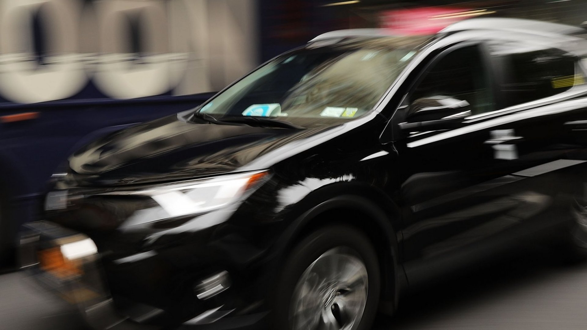 Here's Why Uberand Lyft Drivers Are Artificially Creating Surge Prices