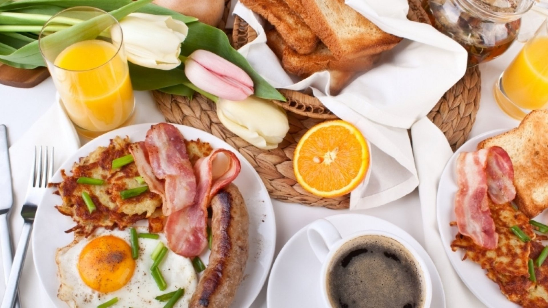 What is 'Peak Brunch' and How are Apps Helping Us Handle it?
