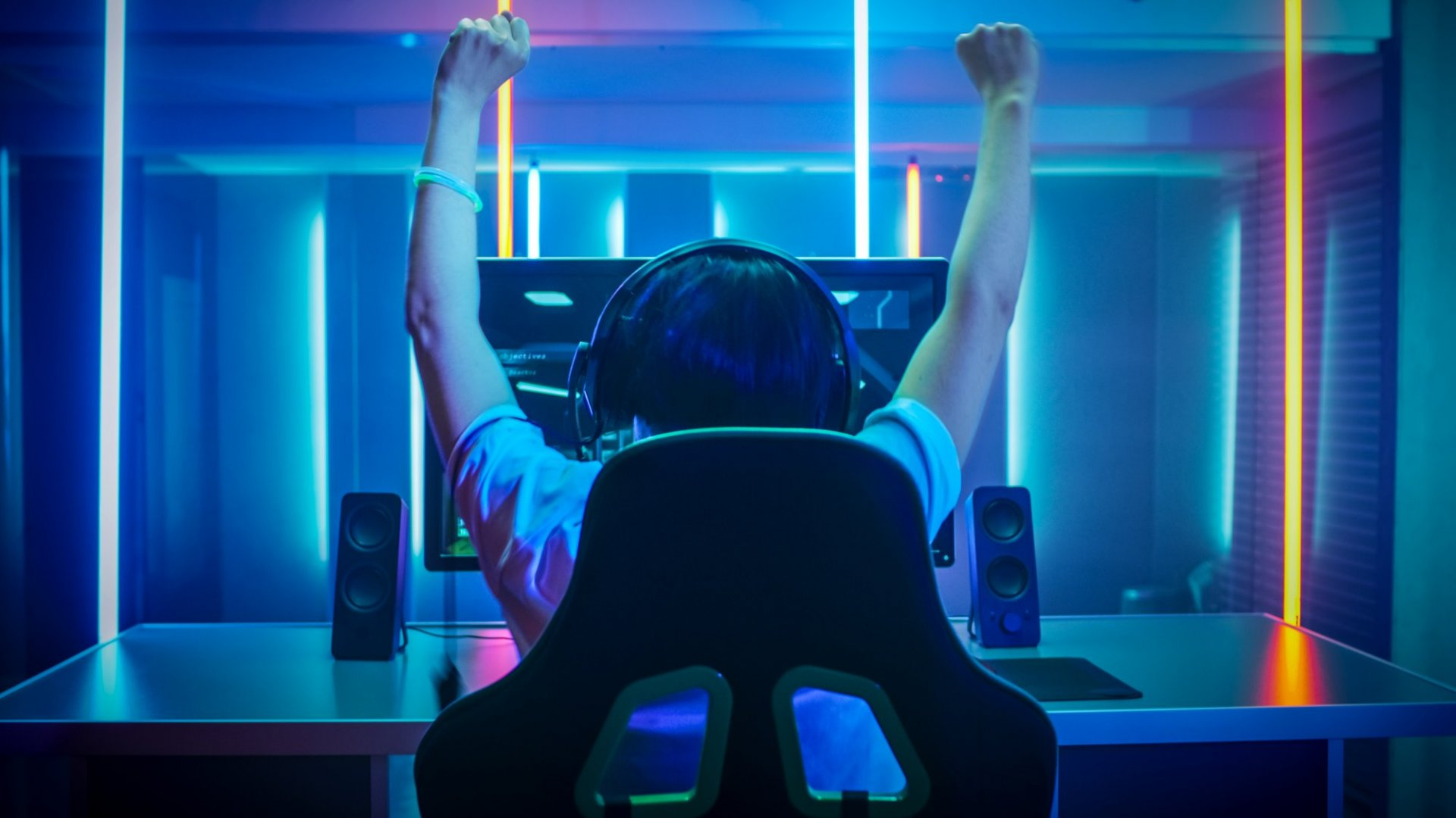 eSports Fans, AI Can Raise Your Game