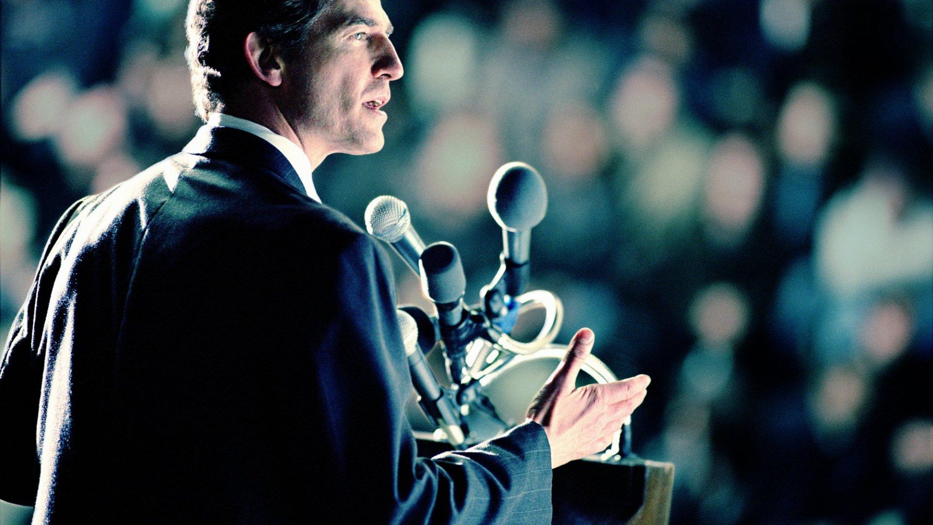 4 Hacks to Eliminate Fear of Public Speaking