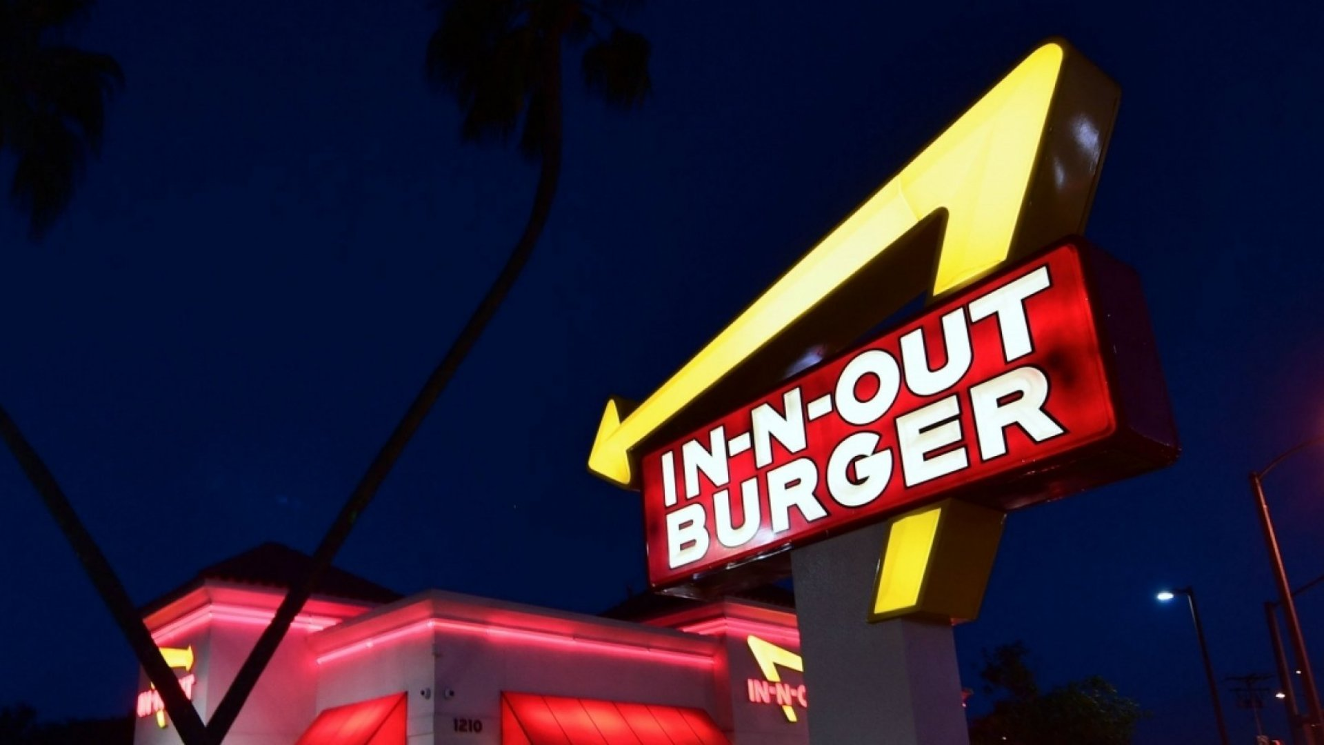 Everyone at IN-N-Out is pointing in the same direction.