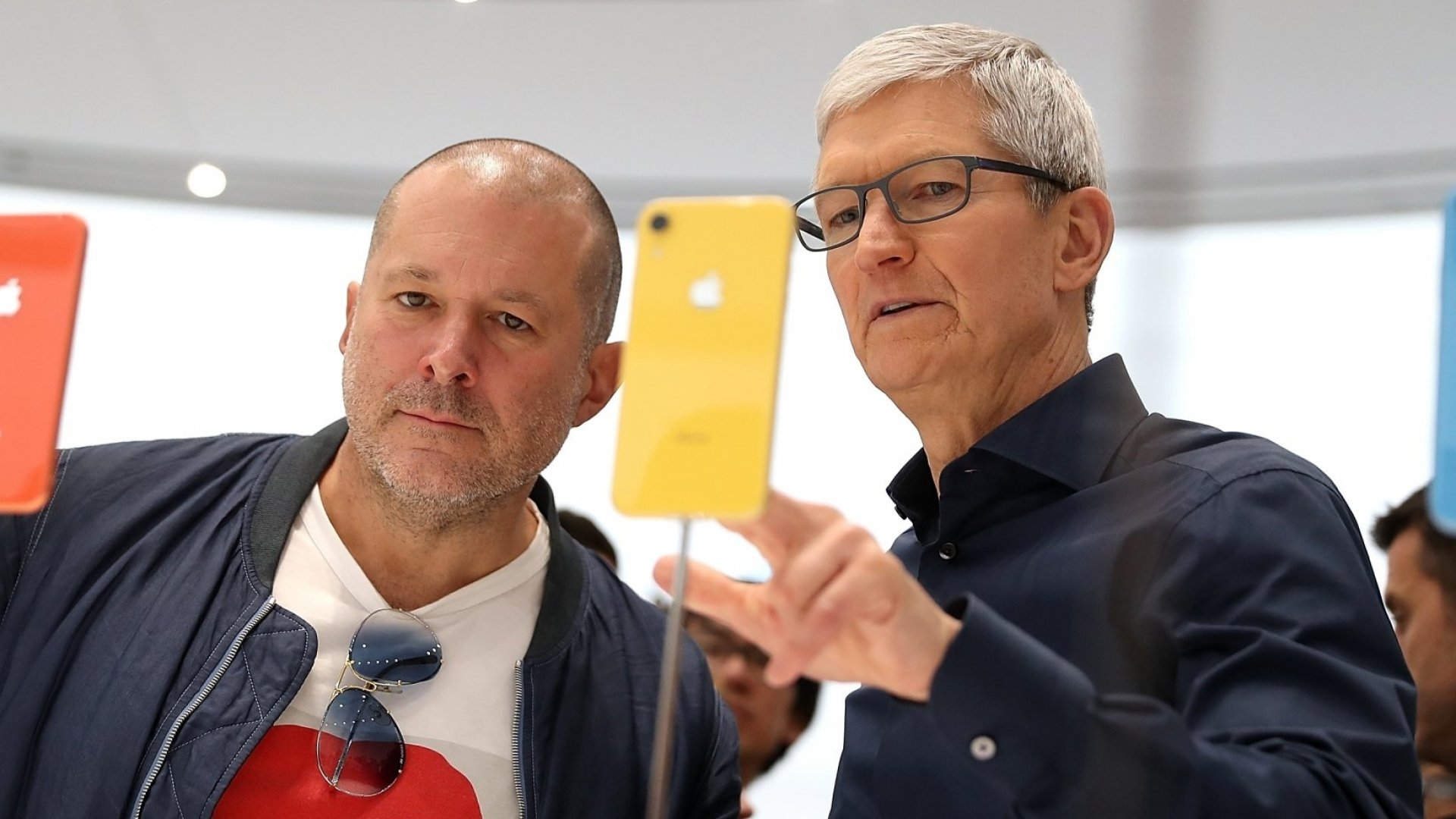 Jony Ive Left Apple After Inattention From Tim Cook, Report Says