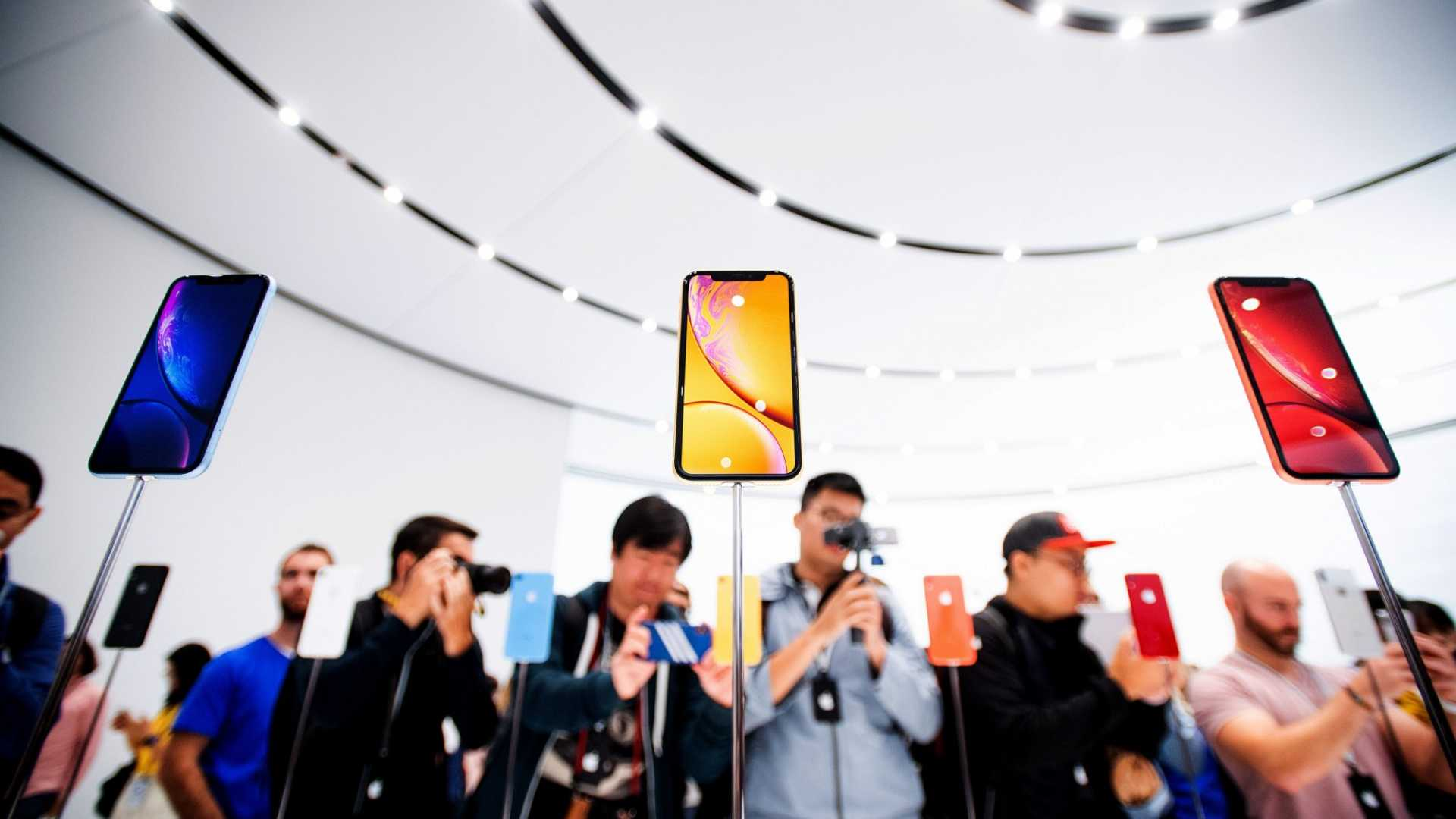 Planning on Buying a New iPhone? Here's Why You Should Do It Now