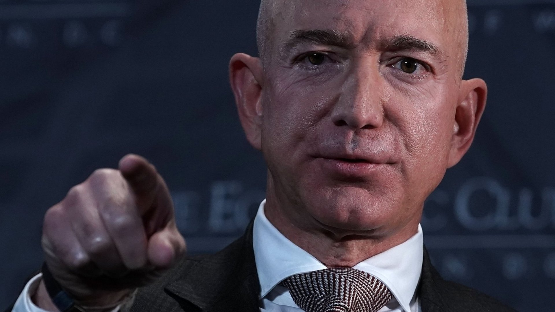 Jeff Bezos's Top Investigator Says Saudi Arabia Hacked the Amazon Founder's Phone