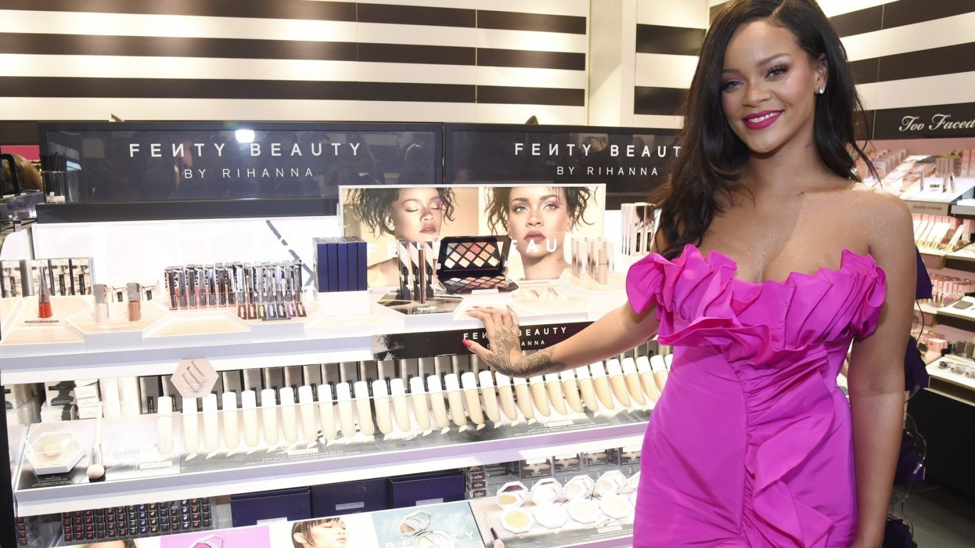 Rihanna Was Just Named the World's Richest Female Musician. Here's the Simple Scheduling Trick She Uses to Juggle It All
