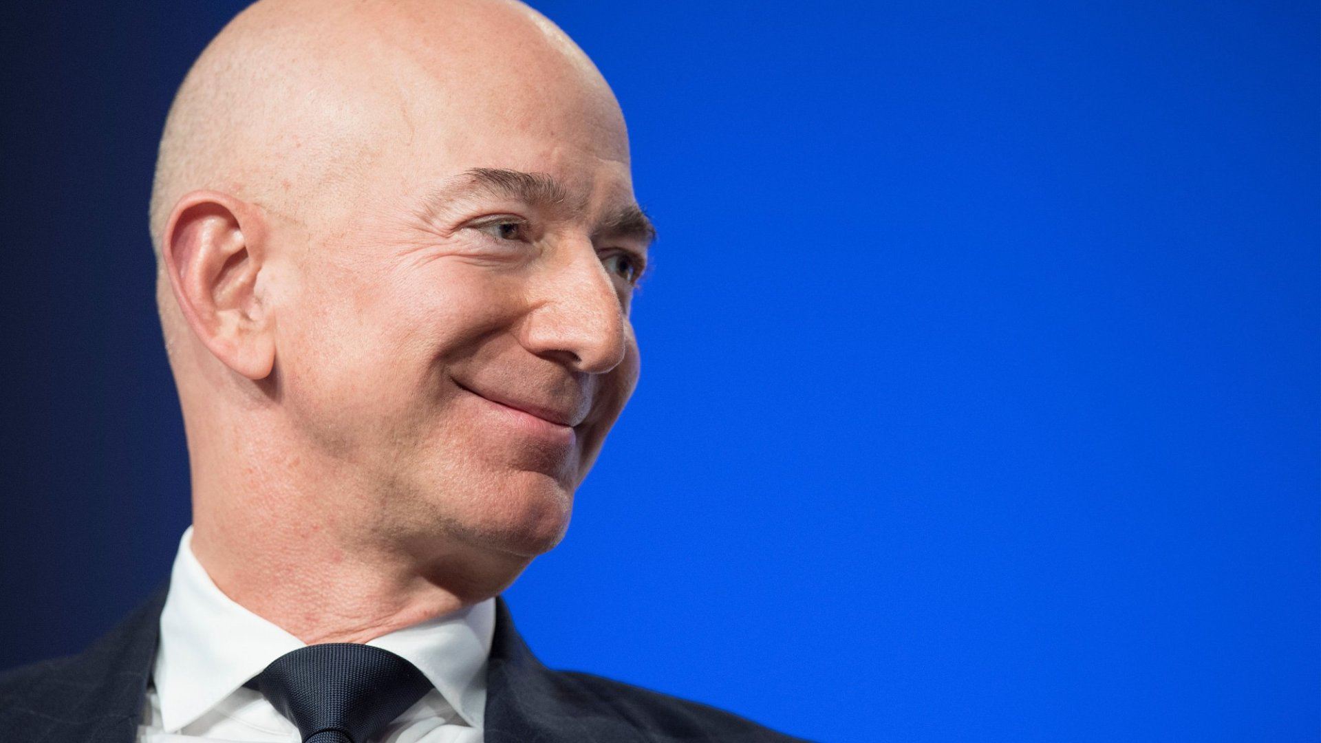 Why Amazon's New $15 Minimum Wage for All Its U.S. Workers Is Incredibly Intelligent
