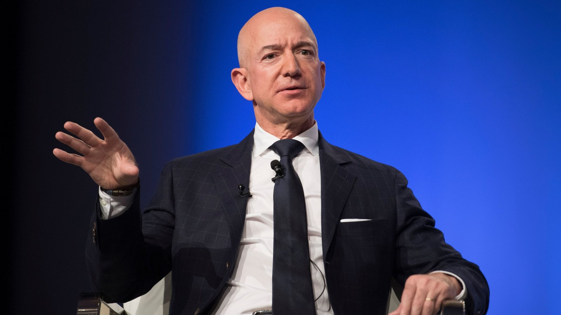 4,500 Amazon Employees Just Sent an Open Letter to Jeff Bezos Demanding the Company Get Serious About Climate Change