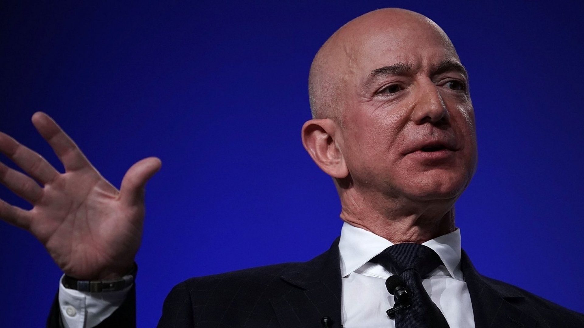 Jeff Bezos Has Lost About $22 Billion This Month, More Than Elon Musk's Entire Net Worth. Here's What That Really Looks Like