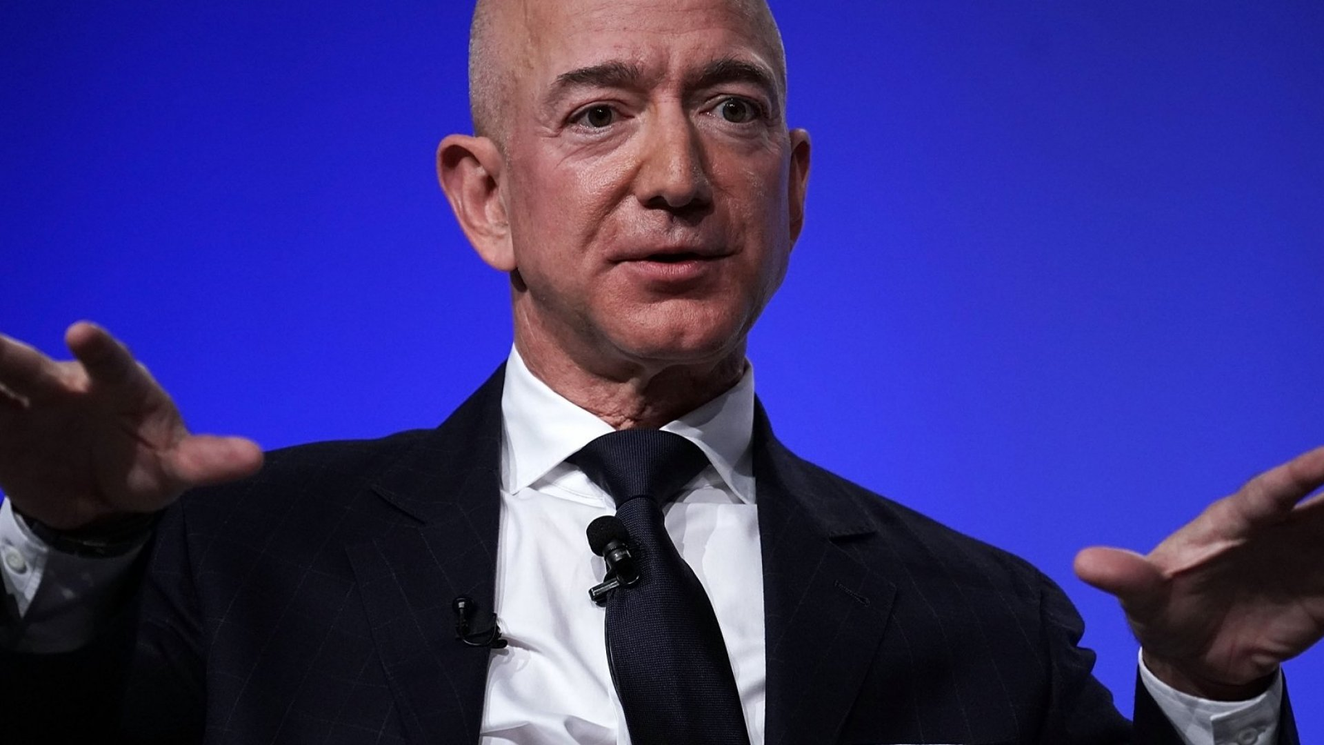 No, Raising Amazon's Minimum Wage Does Not Make Jeff Bezos a Great Leader--Here's Why