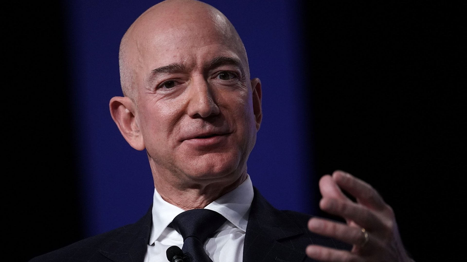 This Is What Jeff Bezos Does When Amazon Gets His Order Wrong