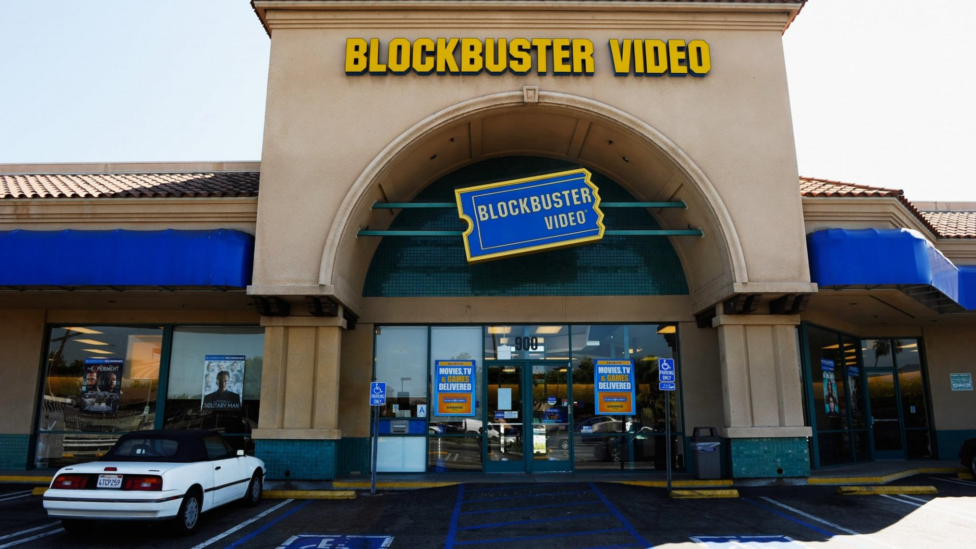 The Brilliant Way the Last Blockbuster Video in America is Staying Relevant