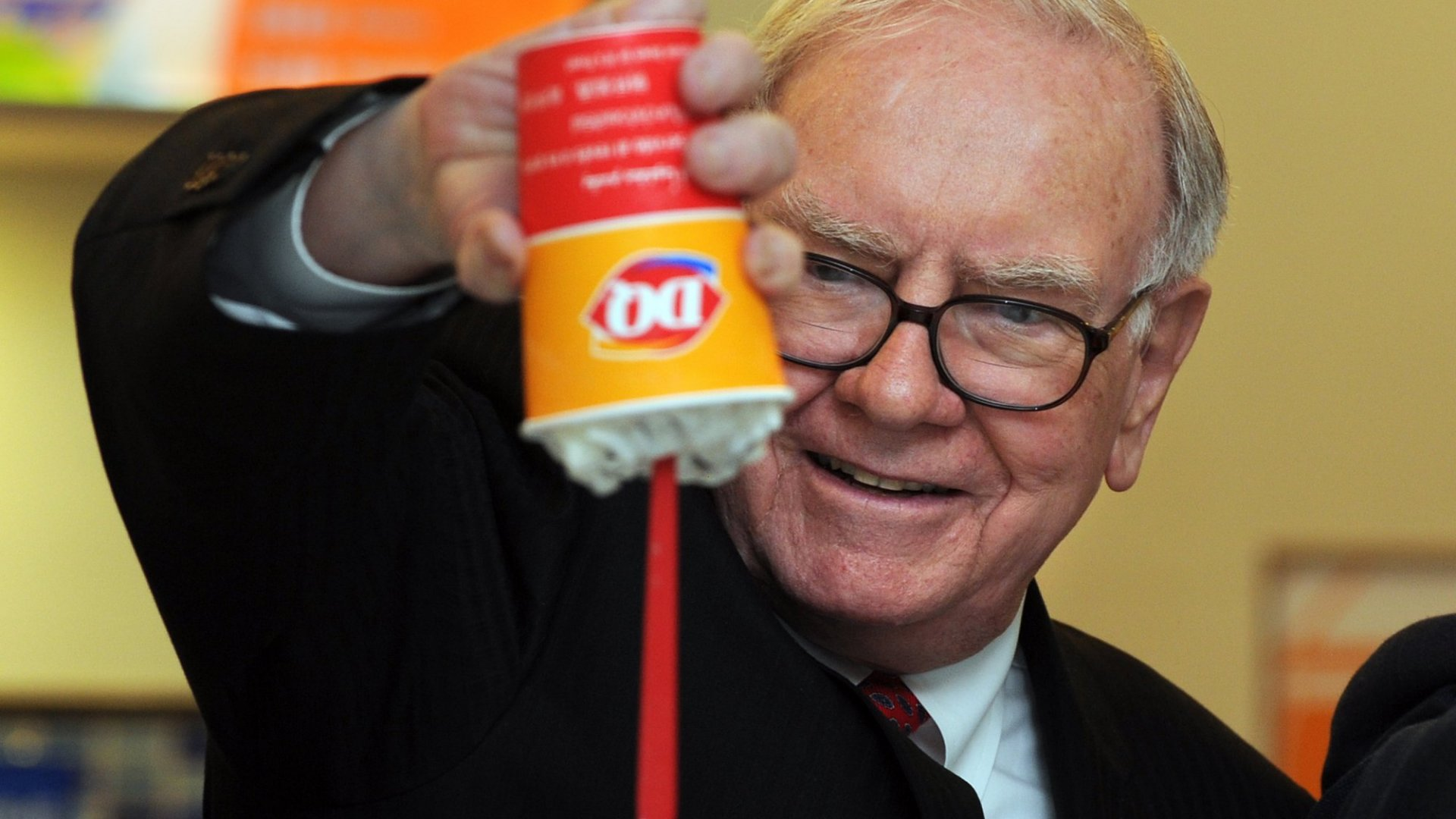 2 Ways You Can Channel Warren Buffett's Genius and Think 'Upside Down' With Your Team