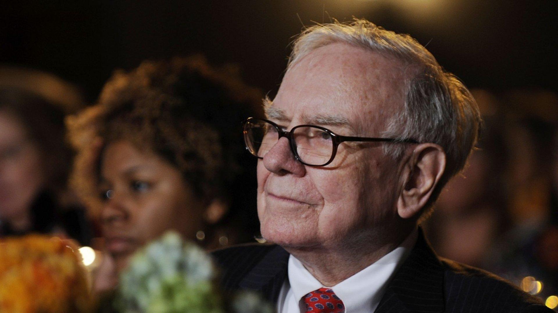 3 Reasons You Should Live Below Your Means (Like Warren Buffett Does)