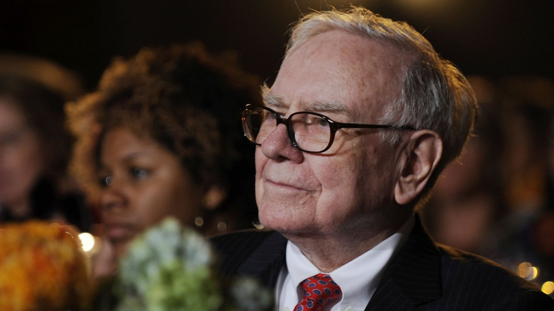 Billionaire Warren Buffett's '2 List' strategy is an easy way to decide what's most important to you.
