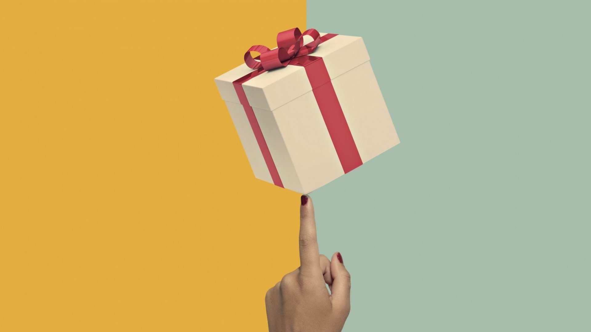6 Free (Yet Invaluable) Holiday Gifts for Colleagues, Co-workers, and Friends