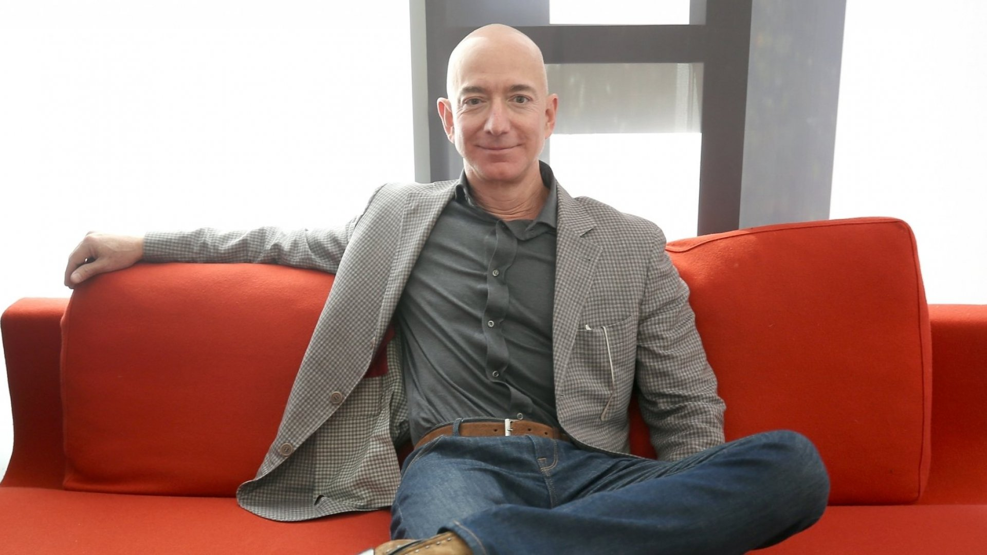 Jeff Bezos Says This 1 Thing Will Help You Achieve Tremendous Focus