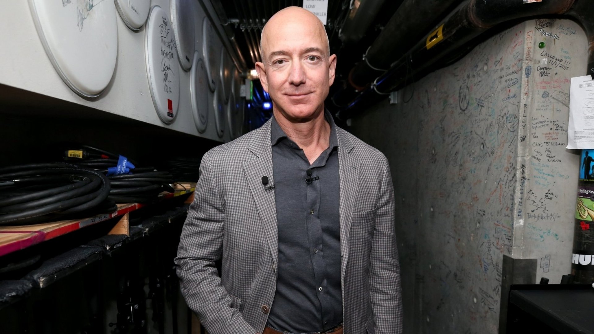 In 8 Words to His Kids, Jeff Bezos Explains What It Means to Be a Highly Successful Leader