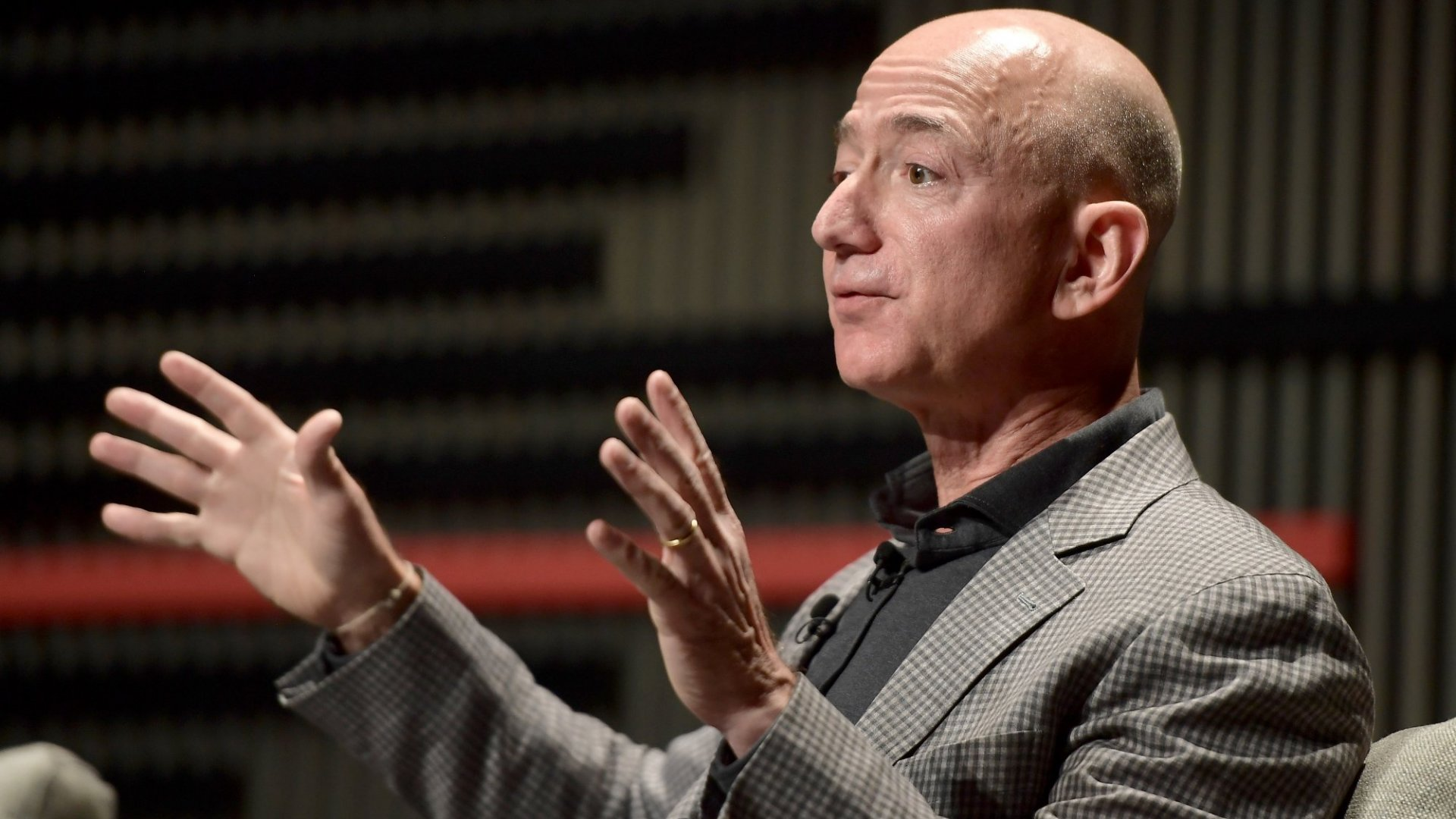 Jeff Bezos Just Opened Up to His Employees With 7 Surprising Words About His Personal Life