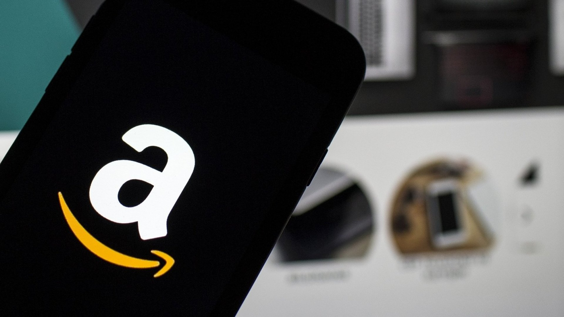 Amazon's Free Shipping Offer Is More Like Getting a Lump of Coal. Here's How the Company Could Do Better