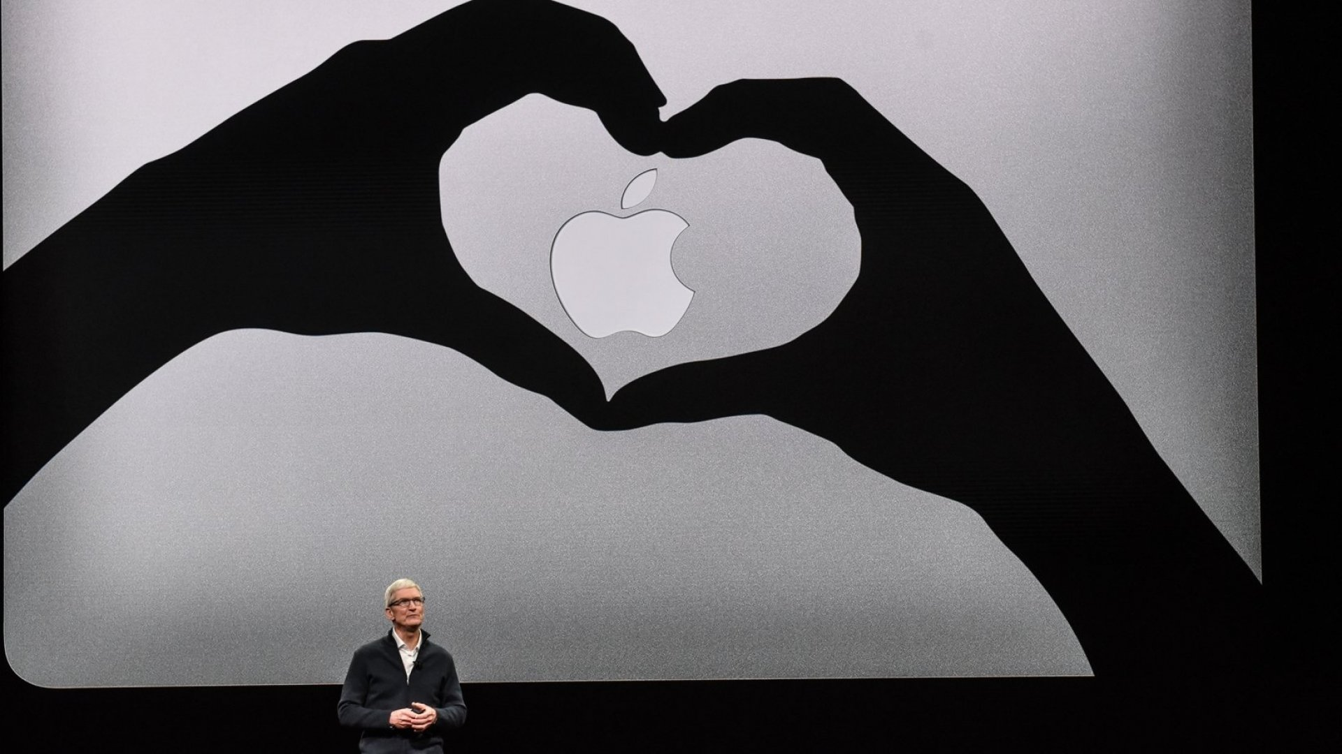How Apple Presenters Create Slides That Tell Stories in 3 Seconds or Less