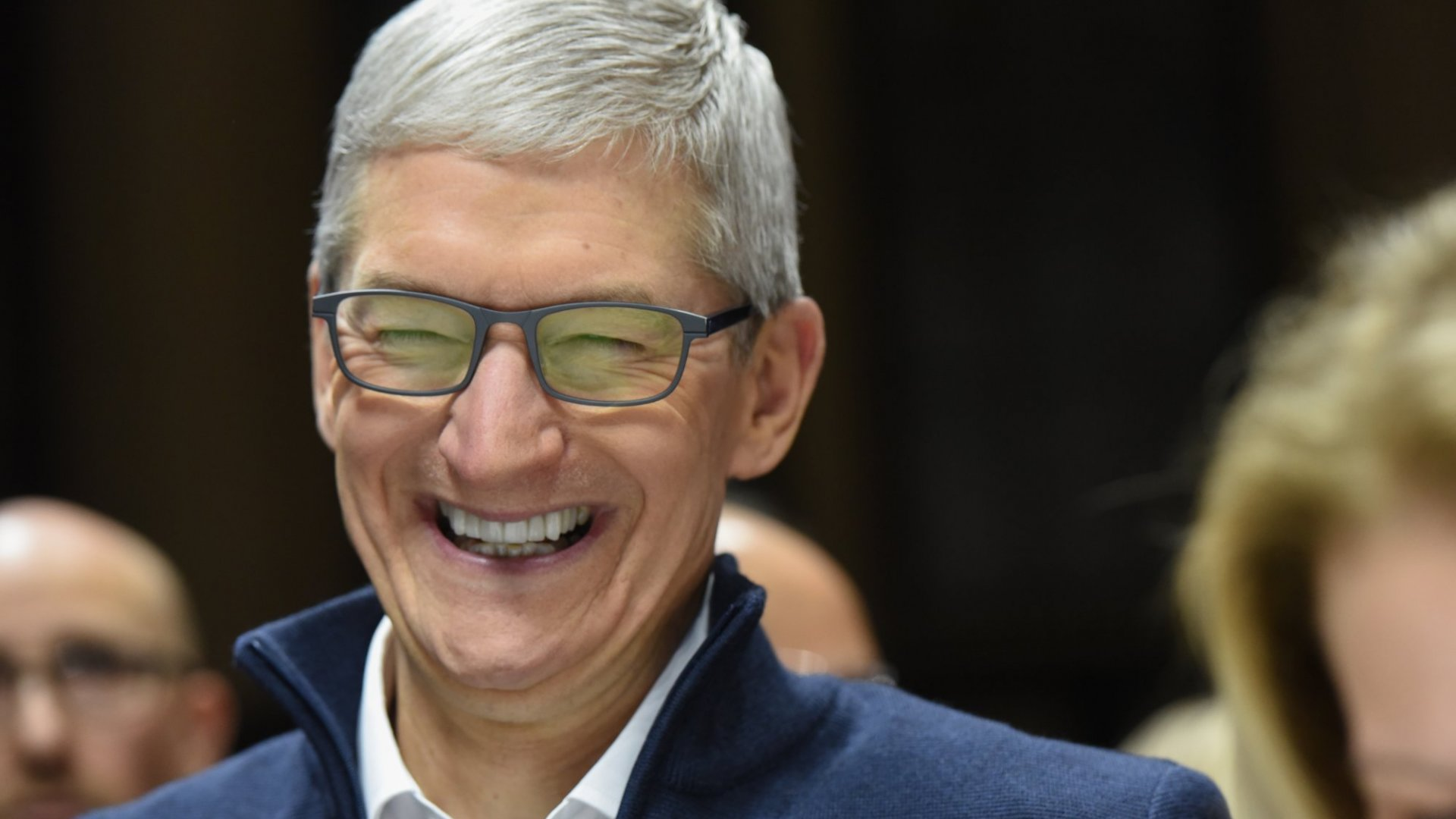 In 1 Hilarious and Wordless Tweet, Tim Cook Just Memed Himself to Unveil a Much-Anticipated Apple Product