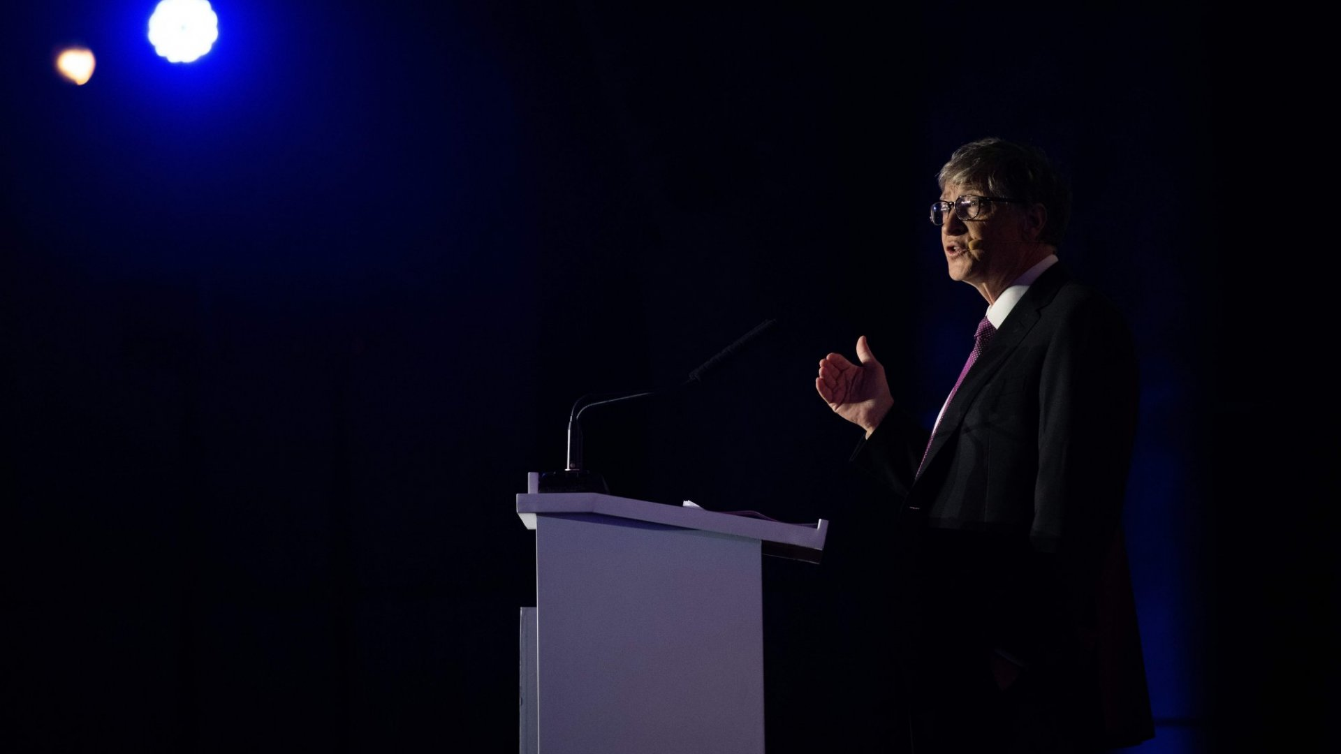 10 Books About Tech You Should Read Right Now, According to Bill Gates