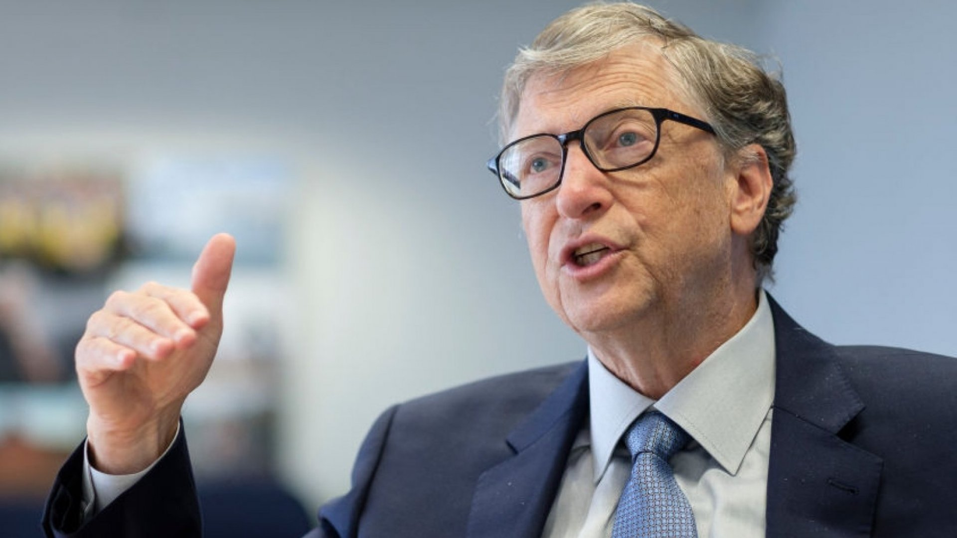 According to Bill Gates, Asking These 2 Questions Will Make You a Better Leader