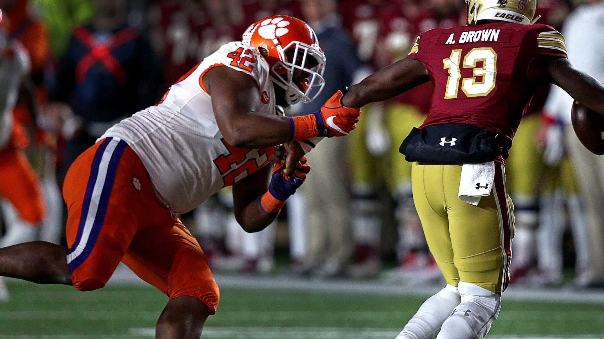 NFL Draft Star Christian Wilkins Will Be the League's Biggest Cheapskate. And His Approach to Saving Money Is Brilliant