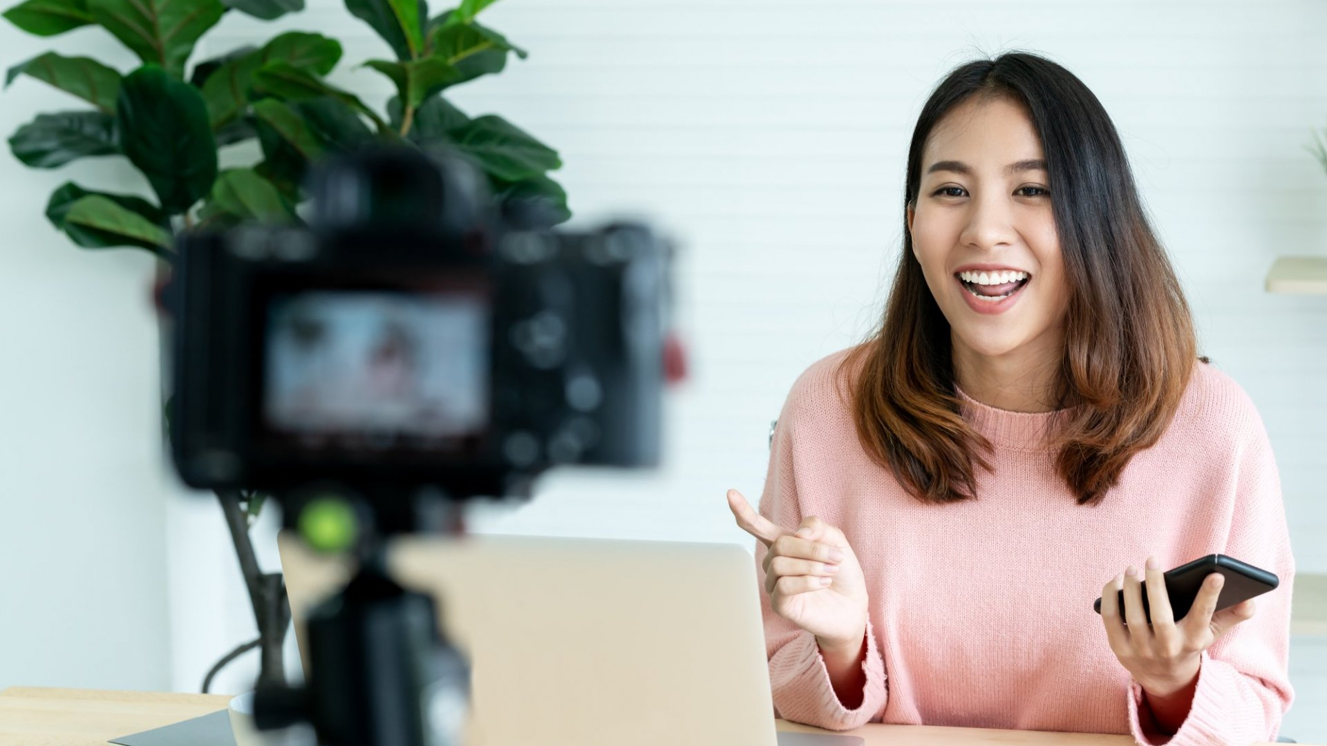 Ten Marketers Who Are Crushing It With Live Video