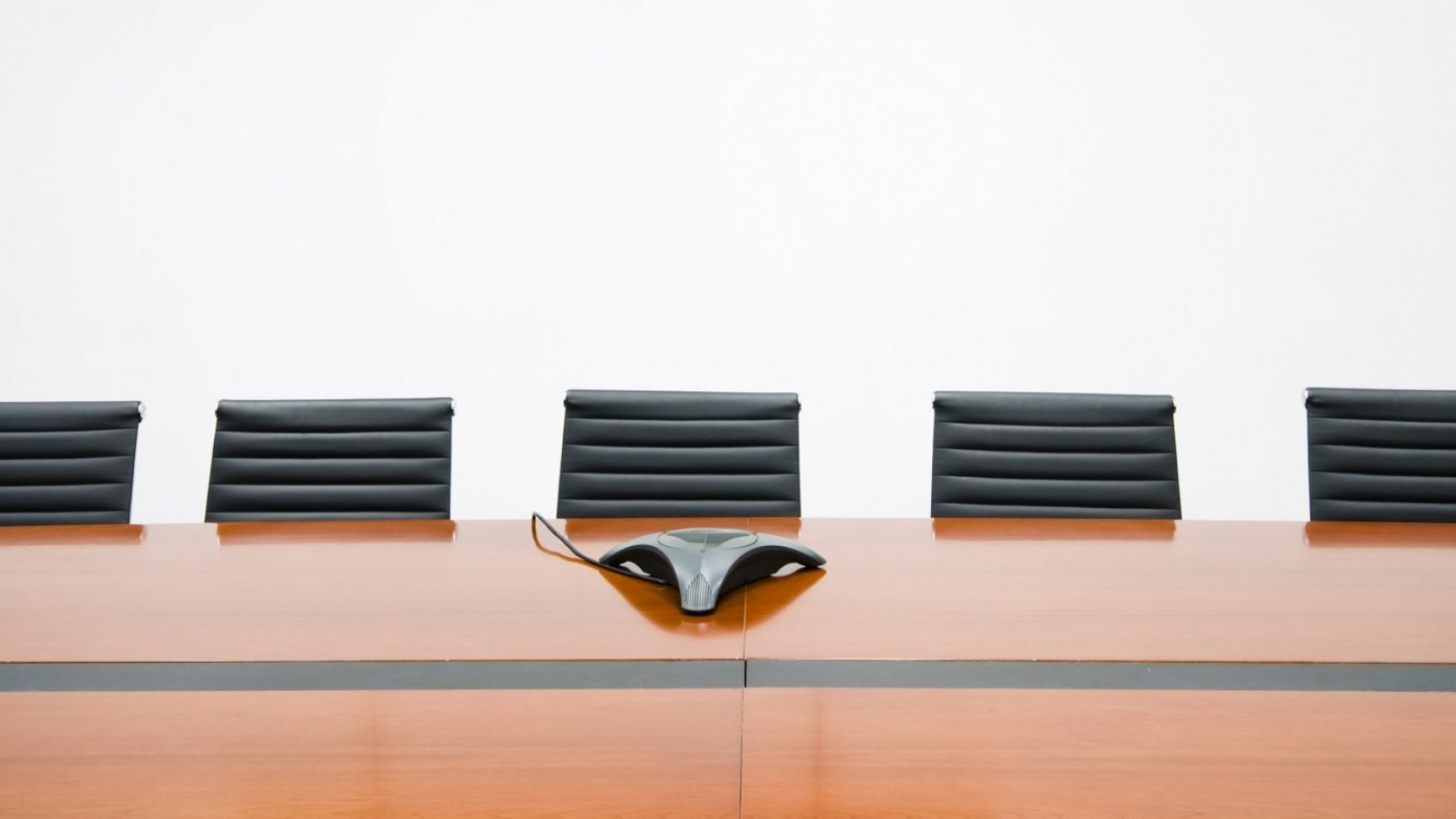 How to Stop Leading Meetings and Start Facilitating Them