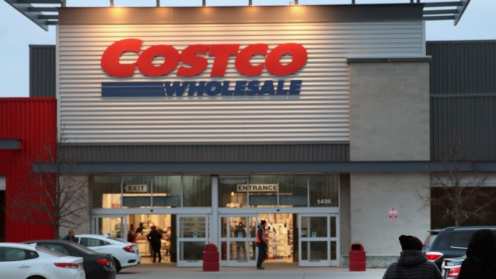 Costco Just Revealed It Now Makes $7 Billion a Year Selling This 1 'Stunning' Thing. (Most People Never Even Think of Buying This at Costco)