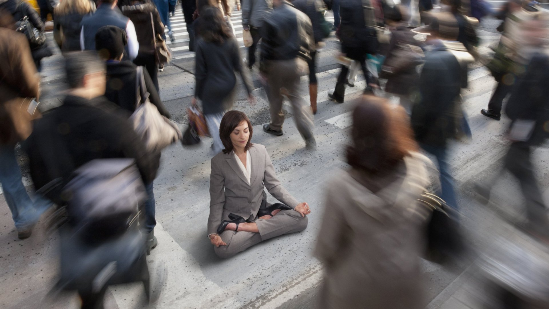 5 Science-Based Strategies to Quiet Your Mind When Your Brain Is Buzzing