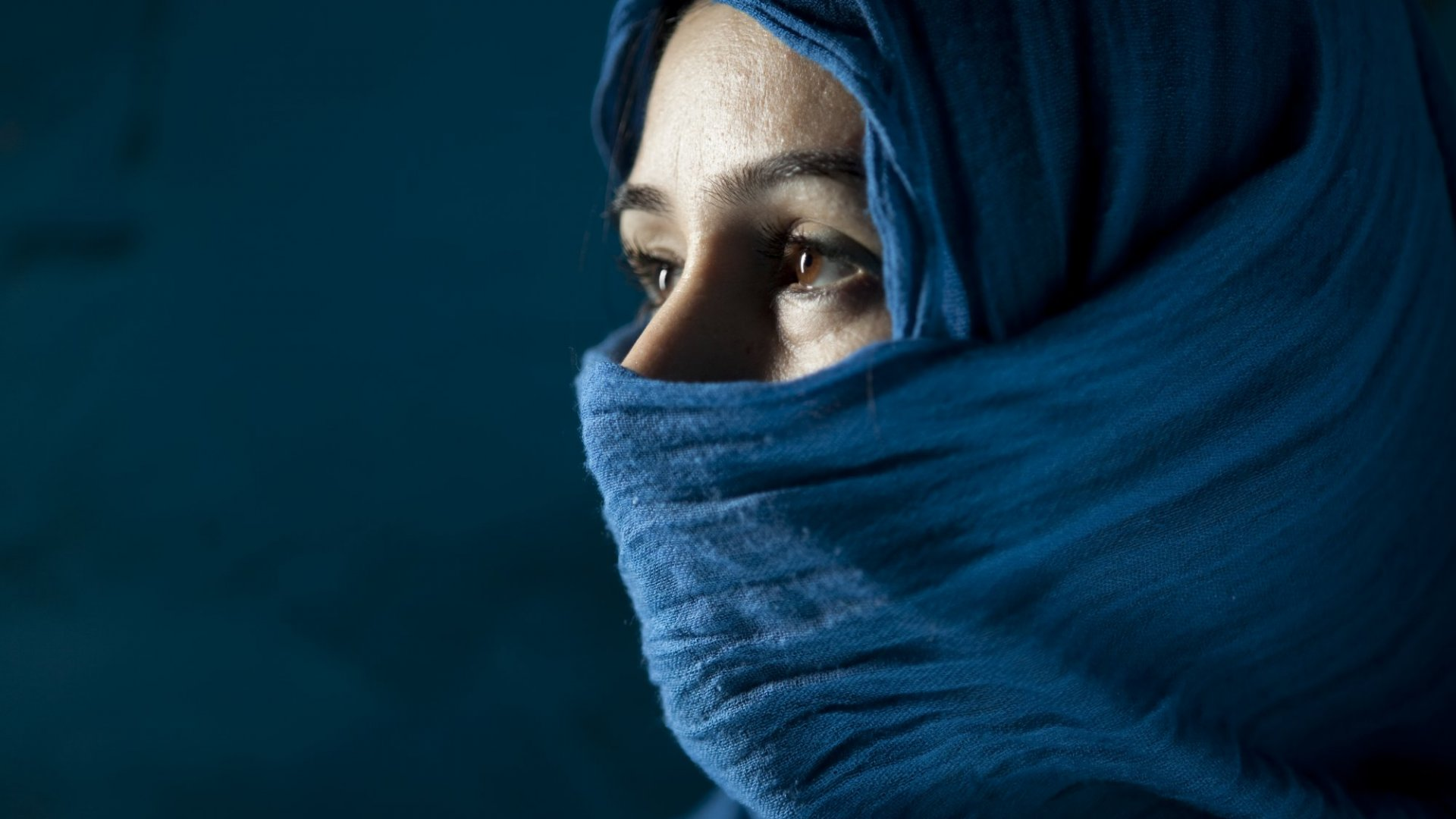 The Remarkable Reason Men in Iran Have StartedWearing Hijabs
