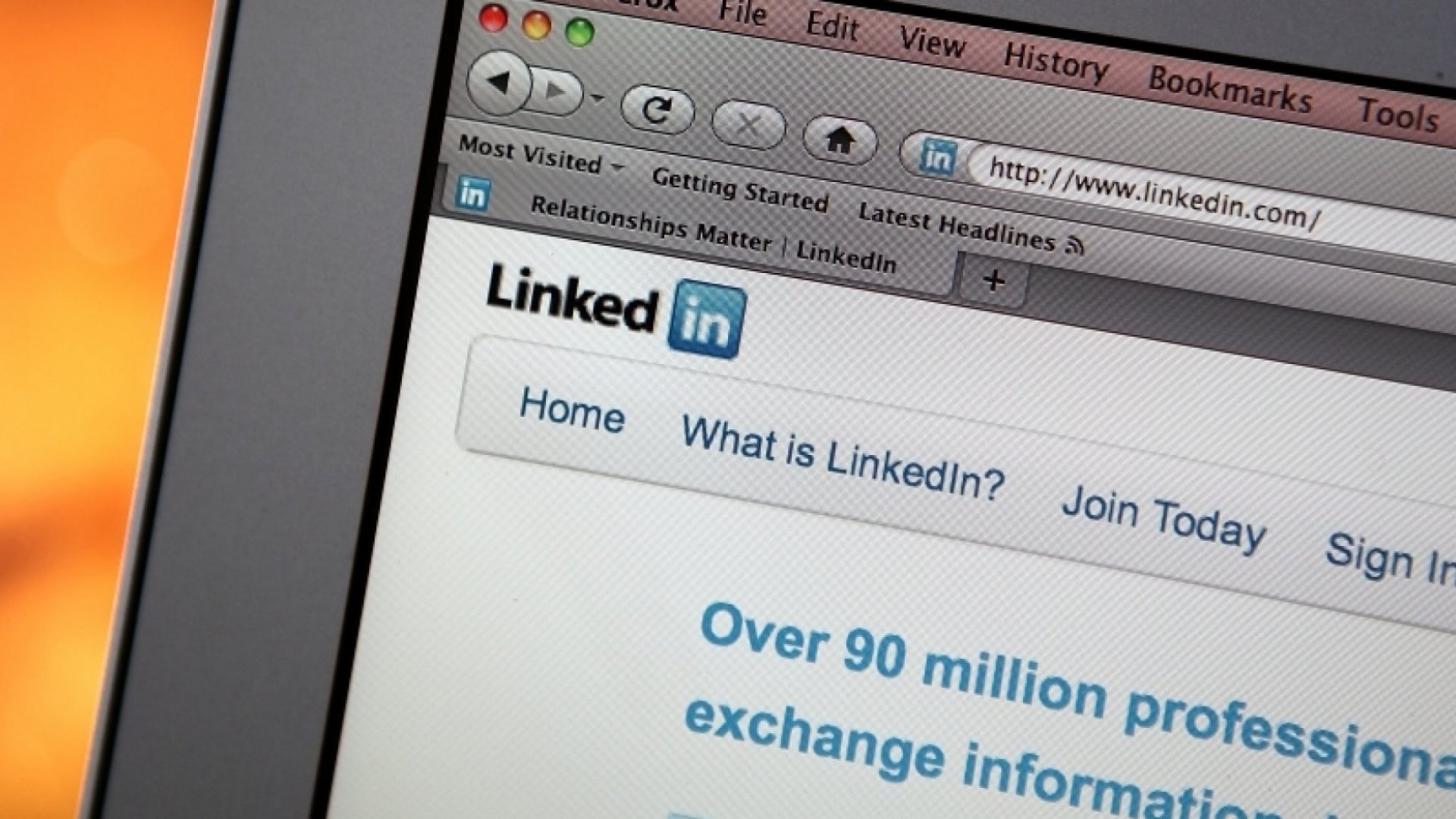 15 Things That Make Your LinkedIn Profile and Resume Look Really Unprofessional