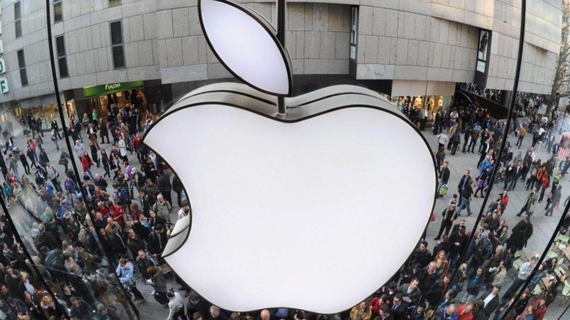 Apple Store Designer Reveals the Secret of Great Retail Design