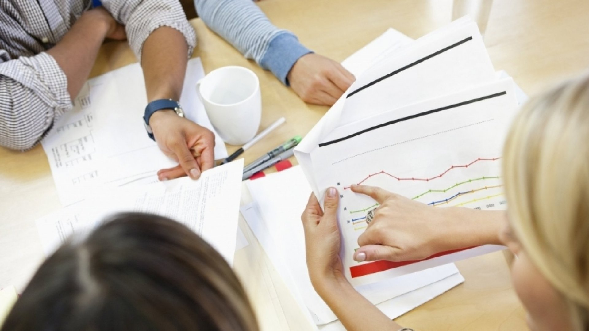 6 Tips for Using Metrics in Performance Reviews