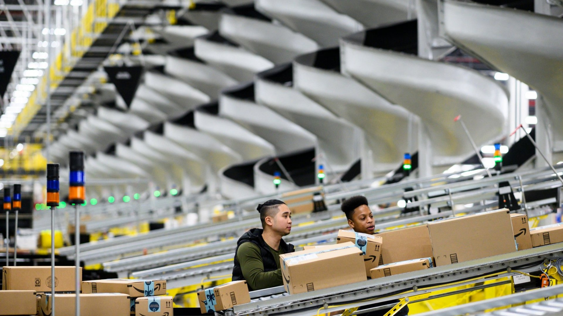 Amazon's Hiring Spree Could Fix Delivery Woes