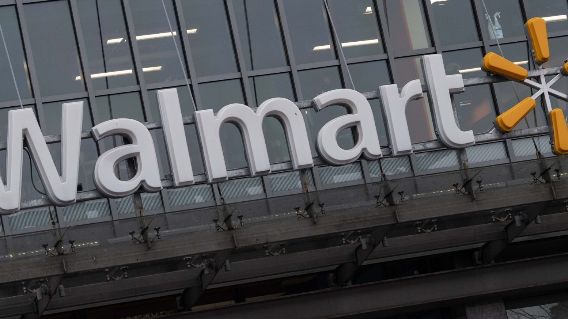 Walmart Rolls Out Futuristic AI-Powered Concept Store, Hoping to Best Amazon Go