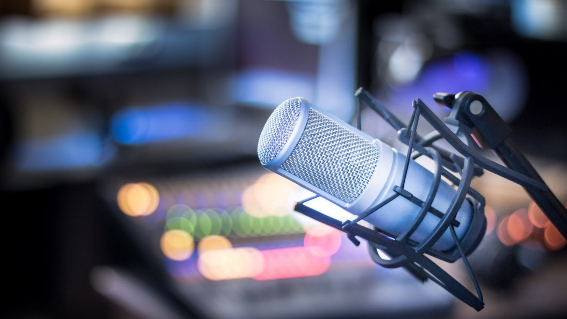3 Ways to Prepare For Your Next TV, Radio or Podcast Interview