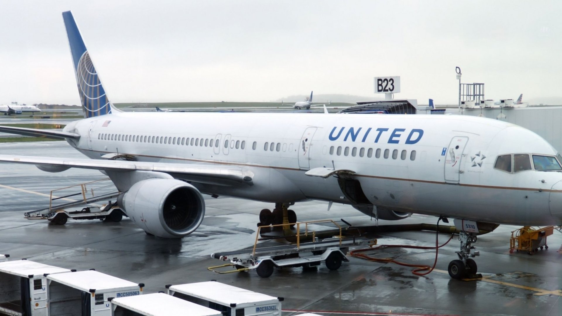 United Airlines President Says Only Frequent Flyers Are Happy On the Airline. The Reason Why Is Staggering