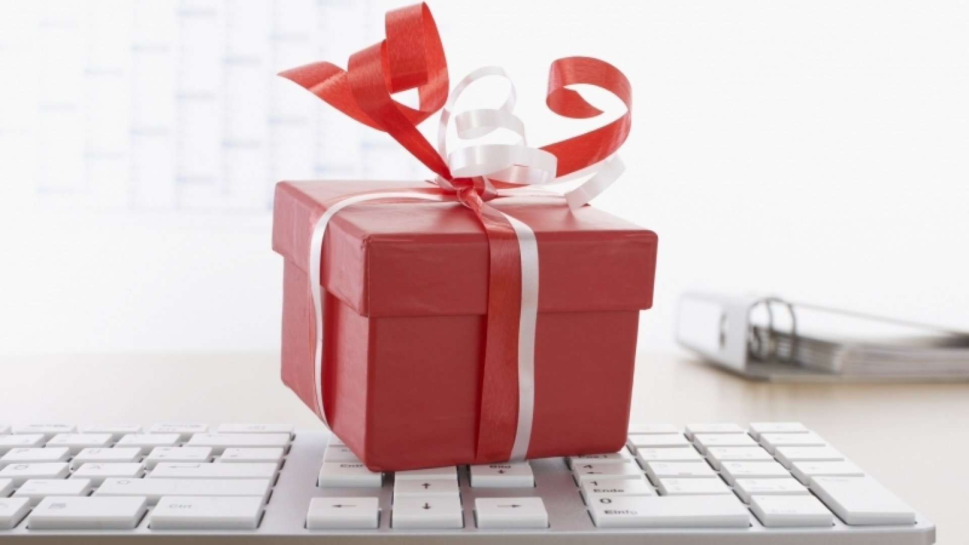 10 Innovative Gift Ideas To Help Someone's Performance at Work