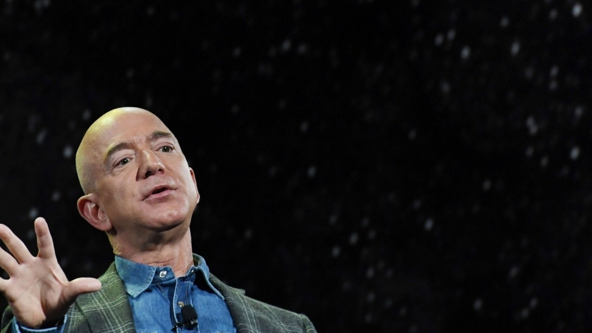 These Are the 7 Things People Must Do to Be Successful, According to Jeff Bezos