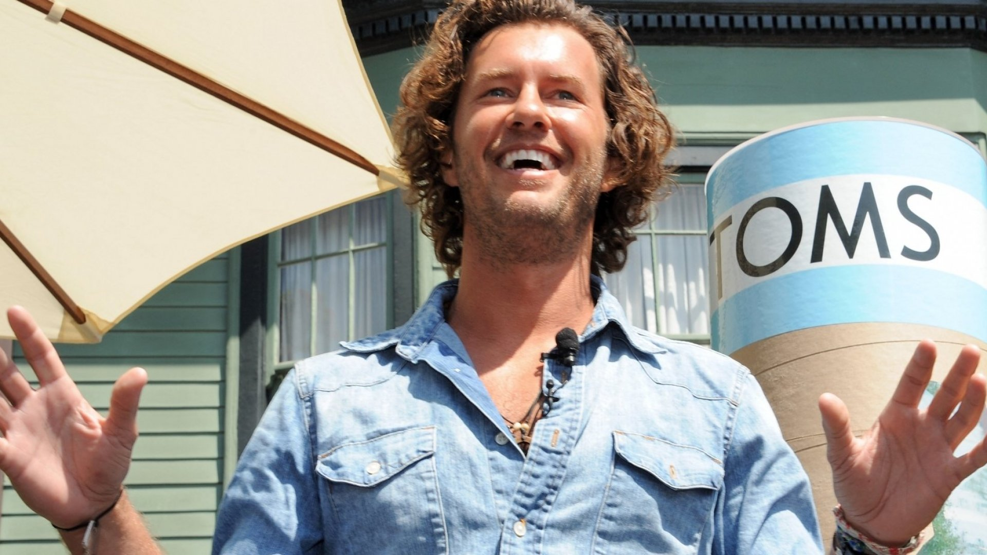 TOMS Founder Blake Mycoskie Gets Another Star Turn in a Nationwide Ad