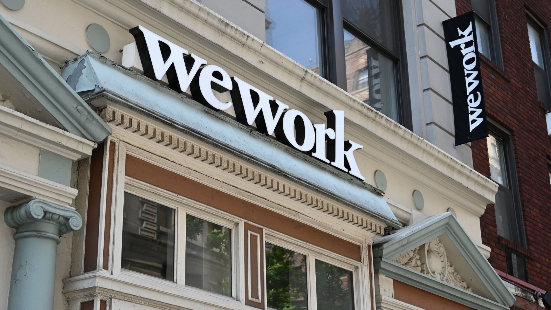 Is Your Startup Running Out of Cash? Here's How to Avoid the WeWork Cash-Flow Catastrophe