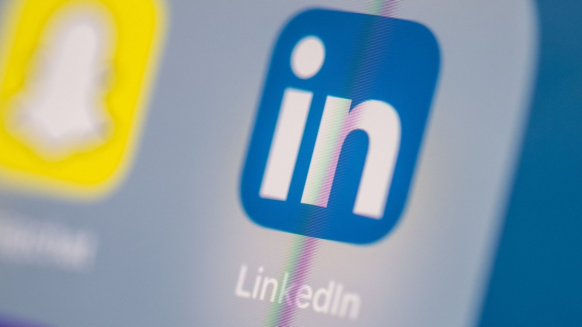 How to Update Your LinkedIn Profile When You Want to Start a Business