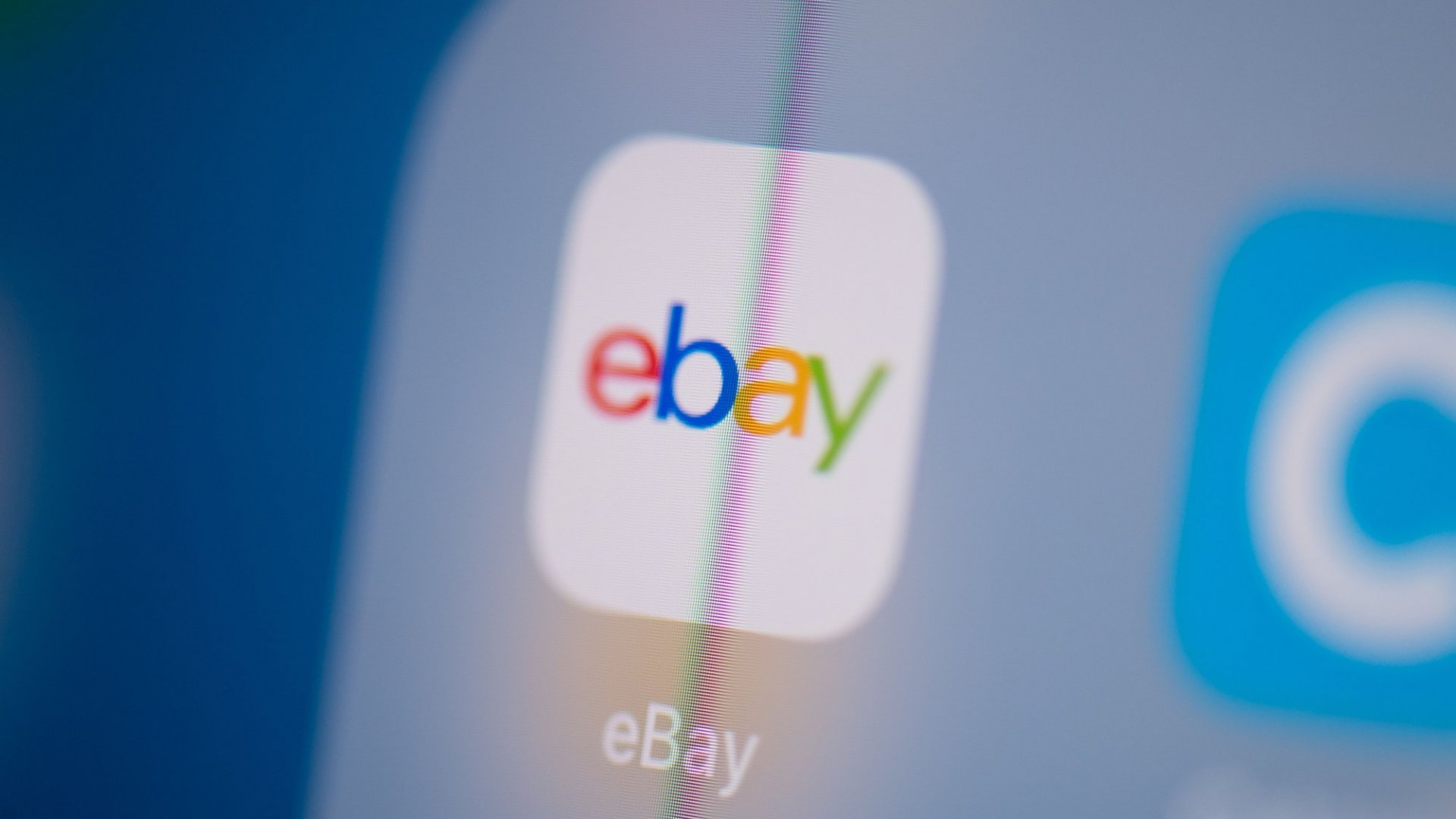 In a Lawsuit, eBay Just Accused Amazon of Poaching Scores of Sellers