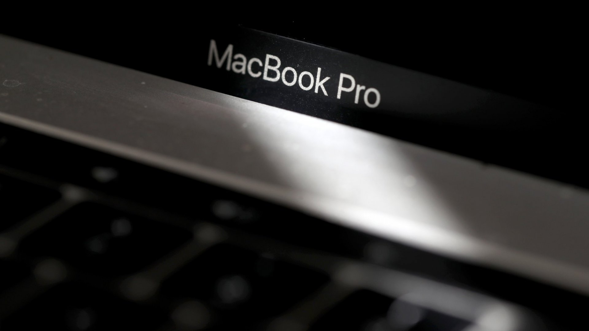How to Save Hundreds on Apple's New 16-Inch MacBook Pro