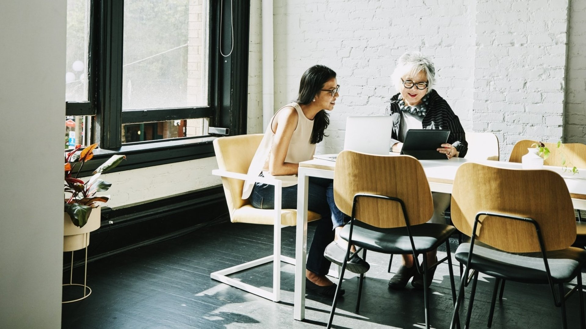 How to Lead Multi-Generational Teams During the 'OK Boomer' Divide